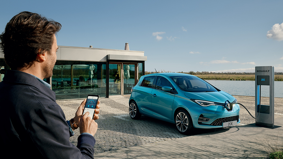 New Renault ZOE Travelling made easier with connected services